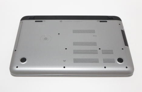 HP ENVY 15-k014tx_裏面