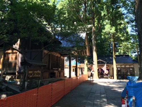 梅戸神社改築中1