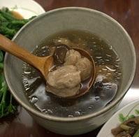 Pork spareribs and longan soup