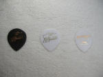 daquisto black and white and seventy seven oval pick 1.2mm 2014916