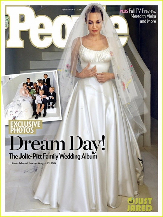 angelina-jolie-wedding-dress-01.jpg