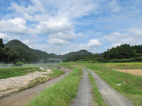 亀山2 072