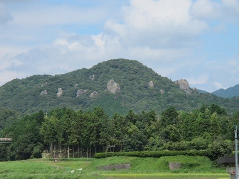 亀山2 075