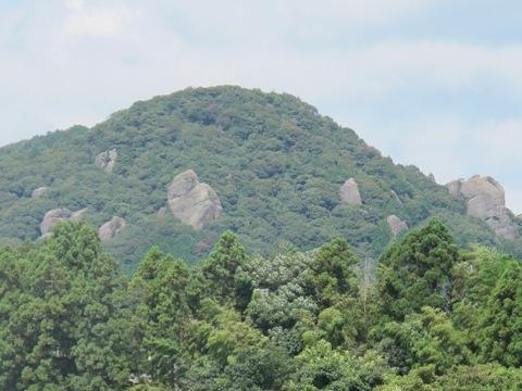 亀山2 074