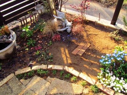 花壇変更後