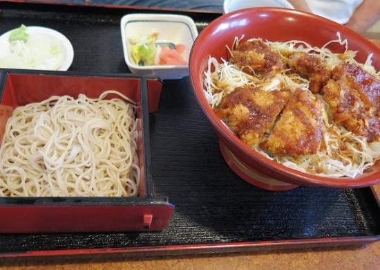 ソースひれ丼ランチ