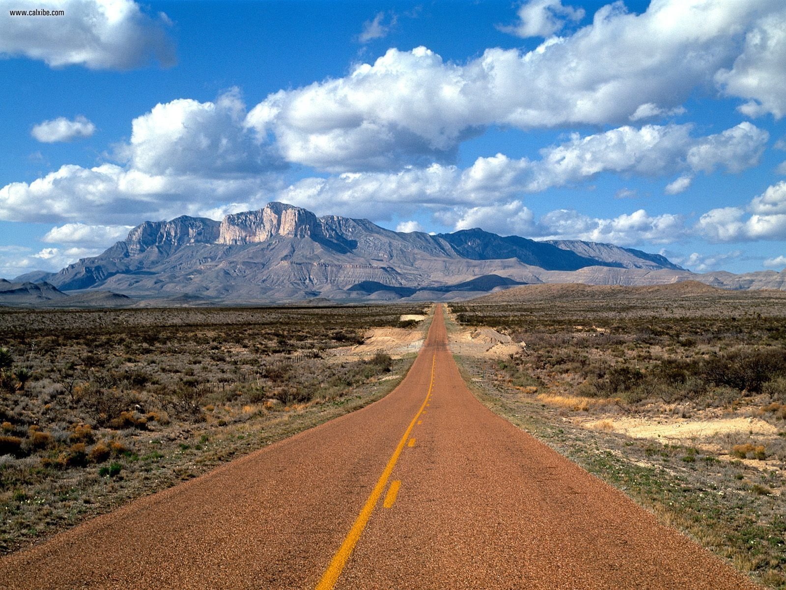 Lonesome_Highway_Guadalupe_Mountains_Texas.jpg