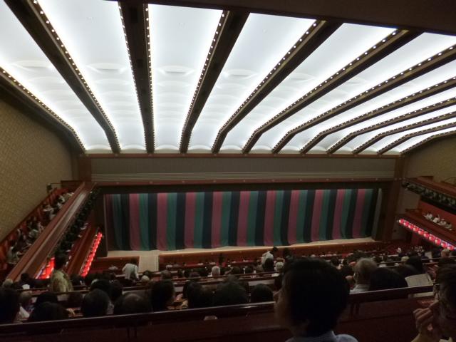 歌舞伎通が通う席でもあります