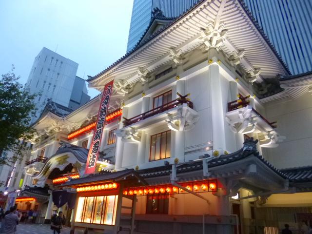 なんと銀座です 歌舞伎座です
