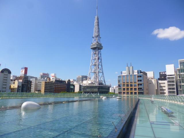 テレビ塔が間近に見えます