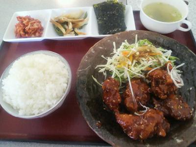韓国風創作料理「とんちゃんや」のヤンニョンチキンセット