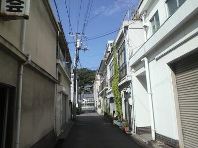 路地裏の道