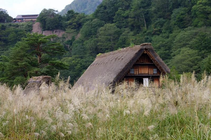 ファミリー、カップル、グループで初秋の旅に出かけよう!世界遺産 白川郷 ②