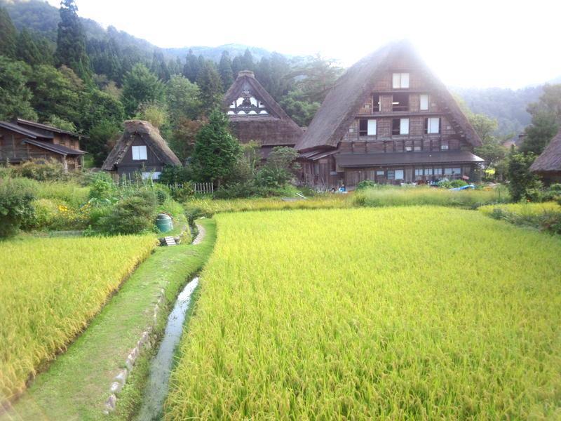 ♪♪変わりゆく季節と共に風景も秋の風情が・・・世界遺産 白川郷 ④