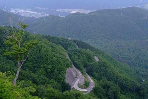 平成27年度より「白山スーパー林道」から「白山白川郷ホワイトロード」に愛称が変わります