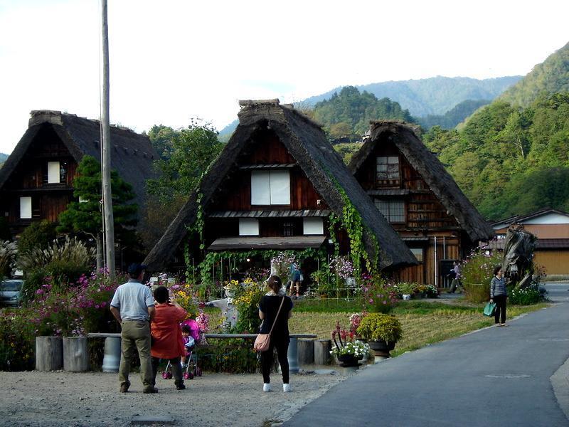 季節は1年で最も過ごしやすい秋になります~そんな秋の陽気に誘われて、秋の白川郷旅行はいかがでしょうか? ⑥