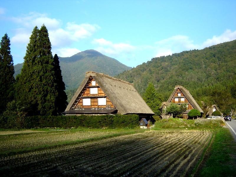 これから~山々が色づく秋本番にちょっとお出かけしてみませんか~ 世界遺産 白川郷!紅葉狩りに温泉など、旅で秋を存分に堪能しよう。 ⑧