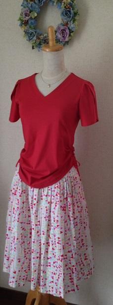 チューリップスリーブ赤Tシャツ
