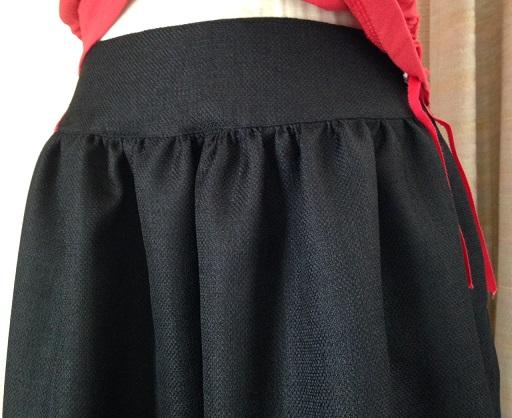 黒スカート1