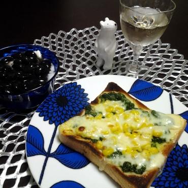 パセリソースとコーンのパン
