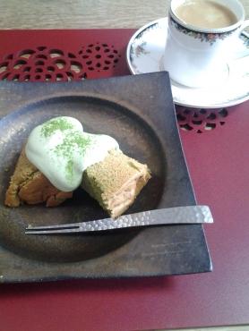 先生の抹茶シフォンケーキ