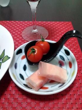 プチトマトと生ハムクリームチーズ巻き