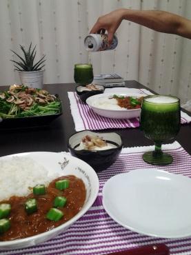 カレーと水菜サラダとビール