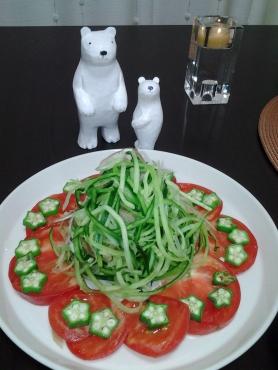 くまとお花サラダ