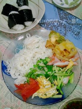 母の素麺とおむすび