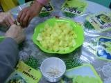 パイナップルの試食