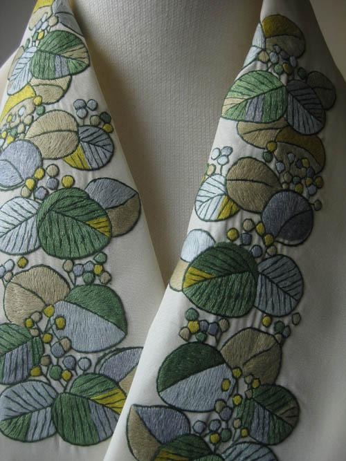 ツワブキベトナム手刺繍半襟