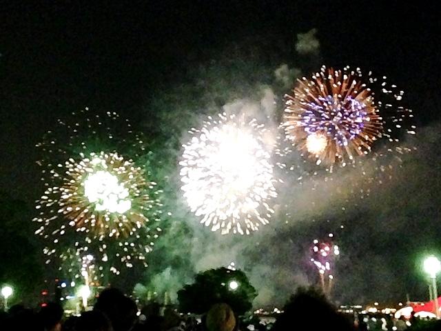 2014.8.2 神戸海上花火大会(^^♪ 立ち呑み仲間と後ほど駆けつけました(^^)vno.1