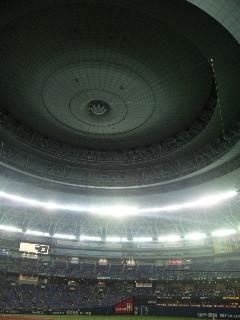 大阪ドームの天井