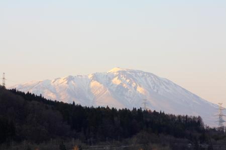 夕方近くの岩手山