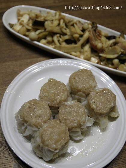 蓬莱のシュウマイで夕食