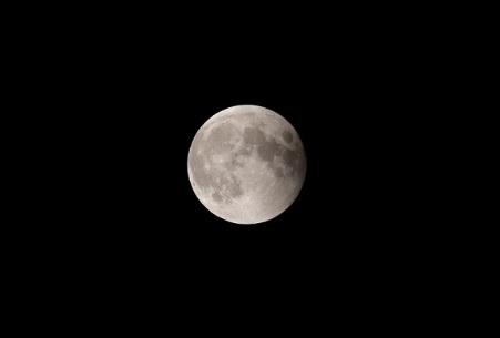 皆既月食も終わり元の満月へ。