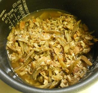 焼き鳥缶とゴボウの炊き込みご飯クリームチーズみそシチュー5