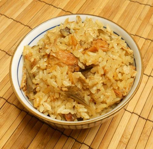 焼き鳥缶とゴボウの炊き込みご飯クリームチーズみそシチュー15