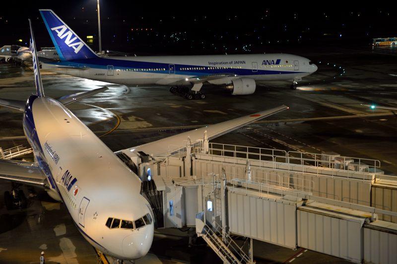 羽田空港 羽田空港で待機中の飛行機と離陸前の飛行機を撮ってみた