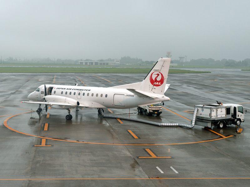 鹿児島 鹿児島空港で日本エアコミューター(機体番号JA8886)を撮る