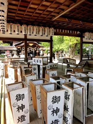 藤森神社神灯1404