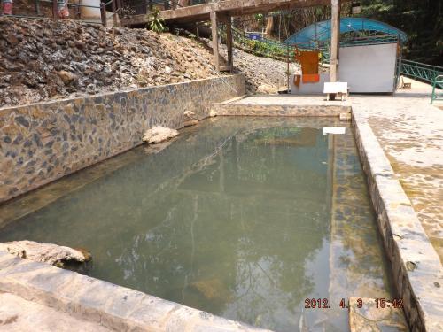 ヒンダー温泉 1