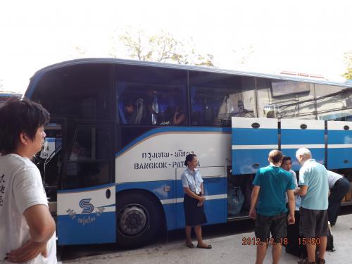 パタヤ行きバス 2