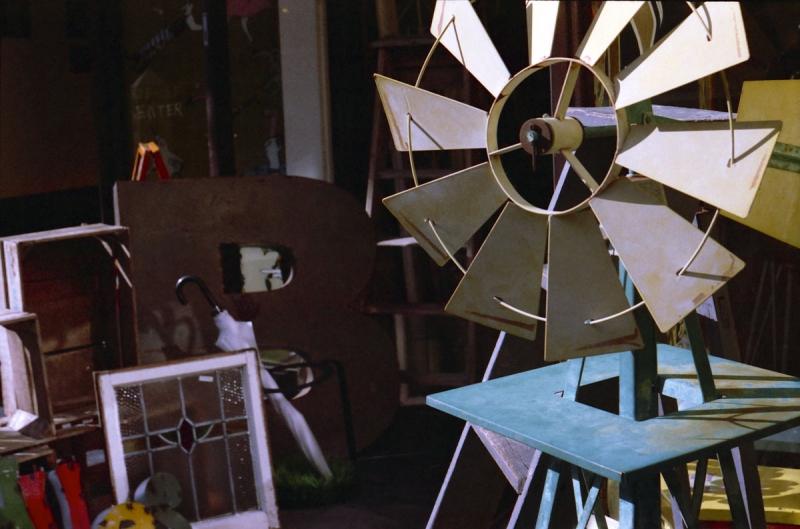 風車とビニール傘