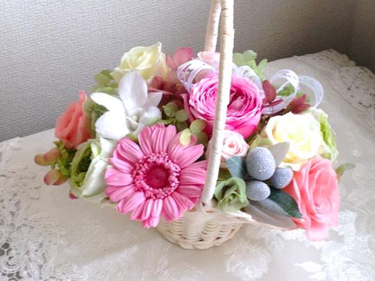 ピンクの花籠
