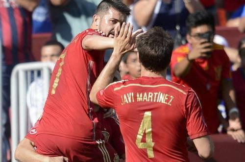 6 Los-jugadores-de-Espana-celebr_54409732076_54115221154_600_396