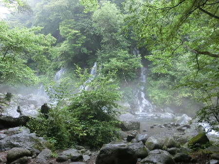 140719吐竜の滝4