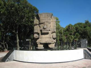 トラロック像
