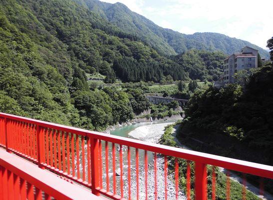 トロッコ電車・新山彦橋から
