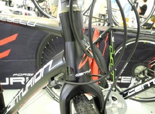 qbei_cc-cntur-cyclocross3000_5.jpg
